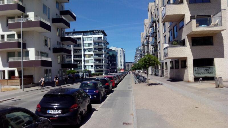 Kopenhagen wenige Autos auf der Straße in Wohnbezirk