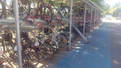 Fahrradständer mit zwei Stockwerken
